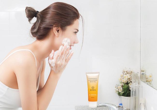 Bạn có nên rửa mặt thường xuyên không?